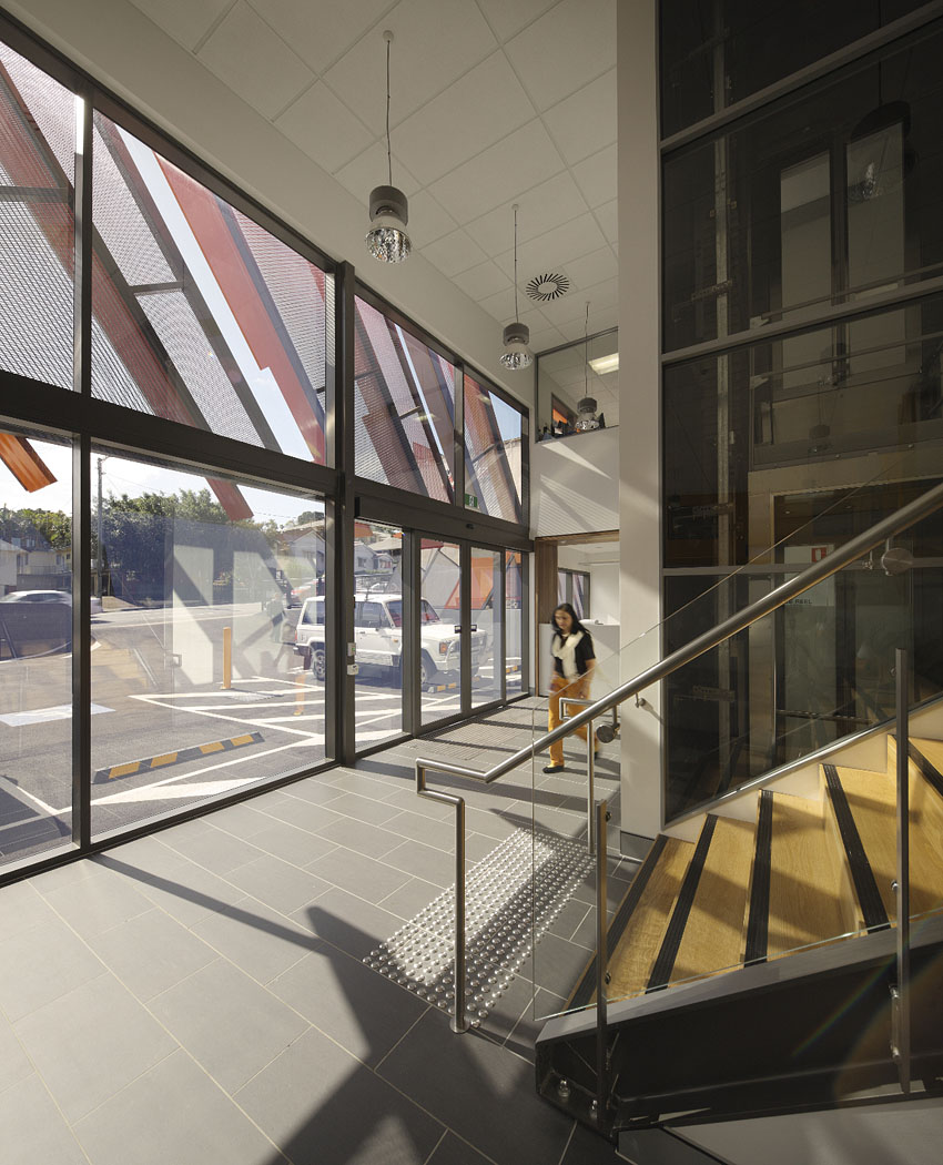qr office glass stair balustrade by sparc architects. Black Bedroom Furniture Sets. Home Design Ideas